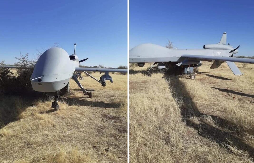在草地上迫降的美军MQ-1C无人机