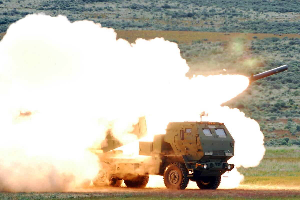 """美国陆军的""""海马斯""""高机动火箭炮系统"""