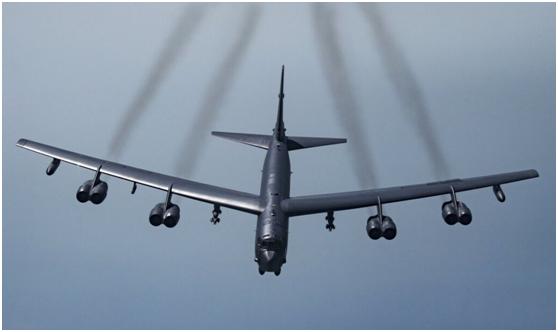 美国空军B-52战略轰炸机