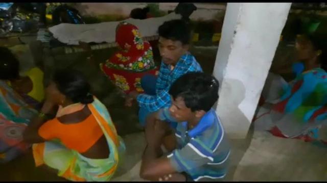 惨!村里没网,印度农村孩子为上网课爬山找信号不幸身亡