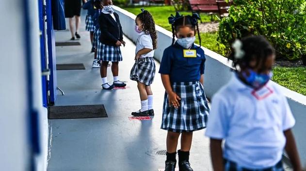美国明尼苏达州一学区暴发新冠肺炎疫情 约290名学生被隔离