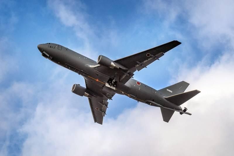 日本KC-46加油机首飞画面