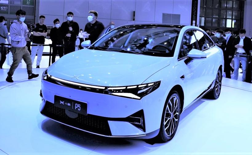 小鹏P5搭载第3代骁龙汽车数字座舱平台