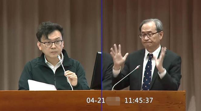 郑正钤(左)与谢晓星(右)。图自中时新闻网