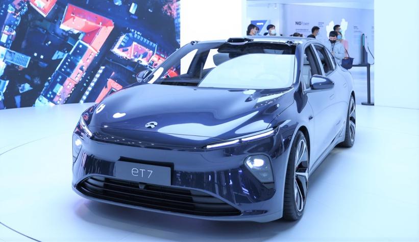 蔚来ET7搭载第3代骁龙汽车数字座舱平台和骁龙汽车5G平台